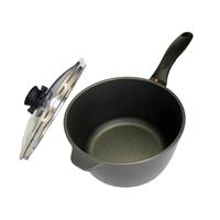 cr�me br�l�e: heay, non-stick saucepan
